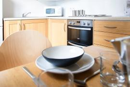 Example kitchen in Sanctuary Addenbrookes couples accommodation.
